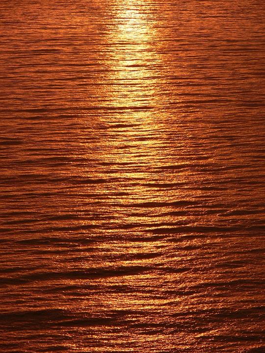 streak_sunlight_ocean
