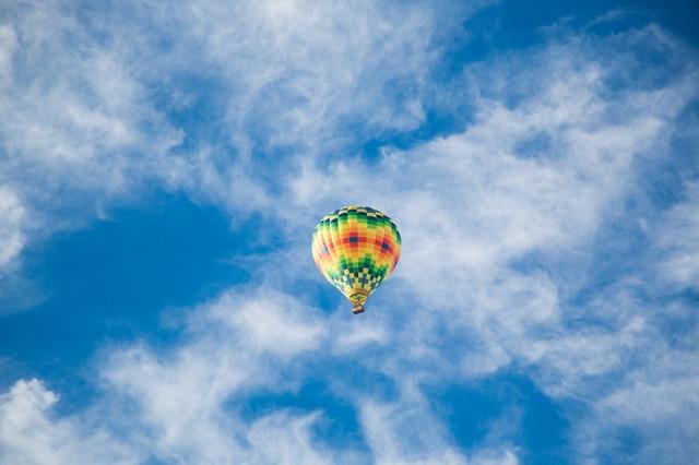 balance_balloon_sky
