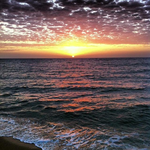 serene_ocean_sun