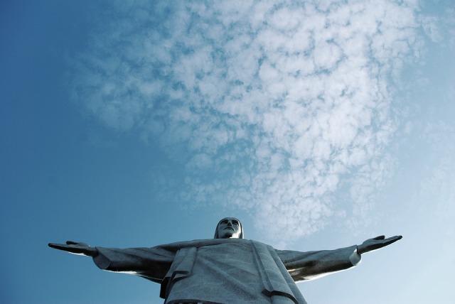 rio_Christ_statue_sky
