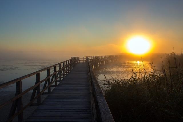 sunrise_boardwalk_sun