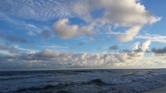 sky_clouds_waves
