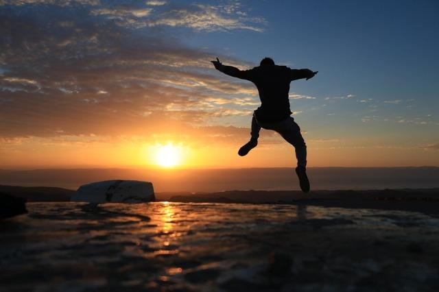 sunrise_man_leaping