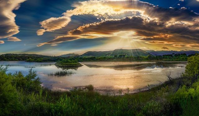 sunrise_lake