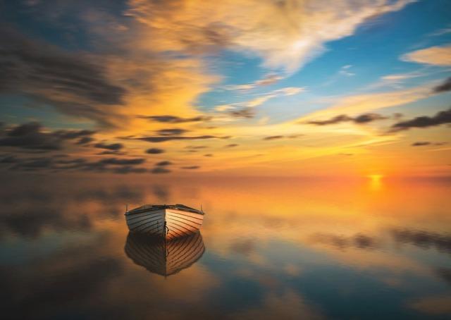 lake_boat_silence